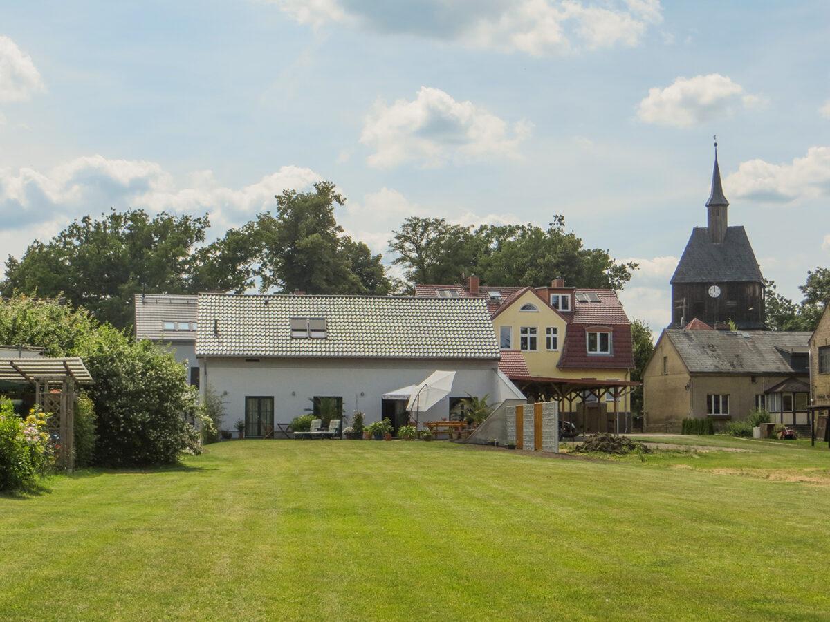 Der Außenbereich des Ferienhauses PAI in Wandlitz, im schönen Naturpark Barnim, Barnimer Land, Brandenburg.
