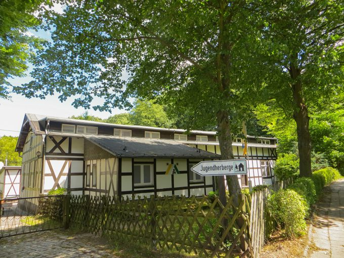 Außenansicht der Jugendherberge Liepnitzsee in Wandlitz, Ortsteil Lanke Ützdorf, im schönen Naturpark Barnim, Barnimer Land, Brandenburg.