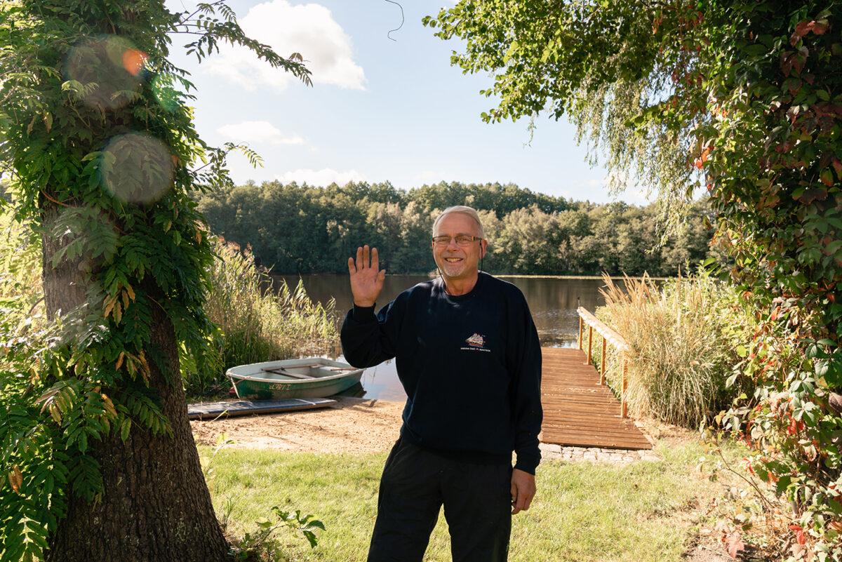 Der Betreiber der Sauna am See in Wandlitz, im schönen Naturpark Barnim, Barnimer Land, Brandenburg.