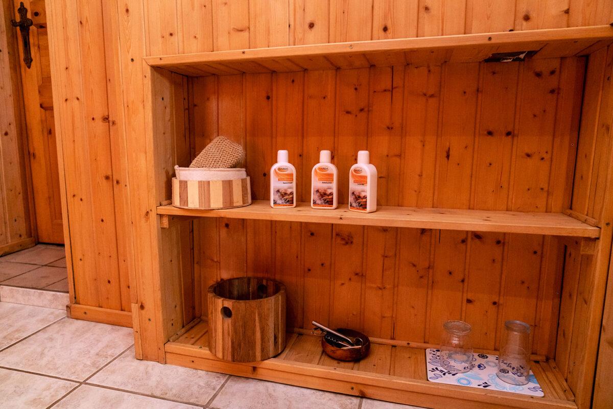 Saunazubehör in der Sauna am See in Wandlitz, im schönen Naturpark Barnim, Barnimer Land, Brandenburg.